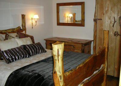 06-Bedroom